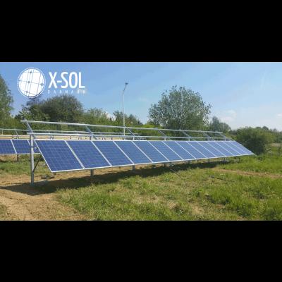 Første række solcelle på stativ